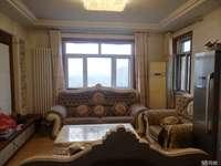 青建一品5楼126平,三室两厅一卫,精装带地下车位,可贷款