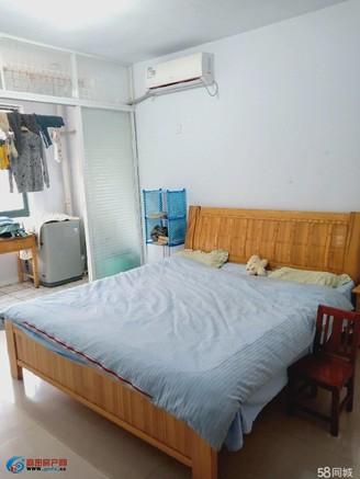 三真公寓 2室中等装修 大车库35平方可不要 楼层好 交通便捷 生活便利
