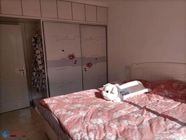 御林华府 精装2室 有证91平方 学区房 带家具家电 拎包入住 南湖附近饭后娱乐
