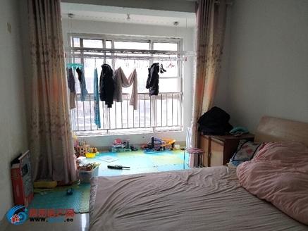 阳光绿城,两室可改三室,带储藏室,双气,南北通透,交通便利