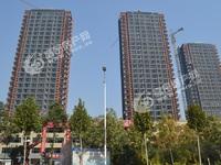 东方明珠 27楼共28层 144平 毛呸房 带储藏室 有证可贷款
