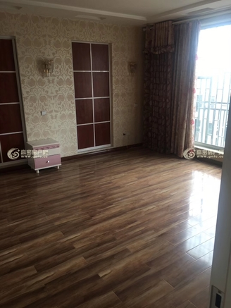 水岸东方 复式4室3厅2卫 200多平