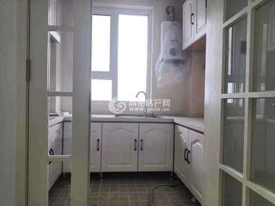 凤城国际 豪华装修未住 东山118平三室二厅一卫 带车位 98万