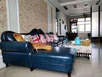 中百新财政局宿舍 140平方 豪华装修 三室二厅二卫 86万 首付低