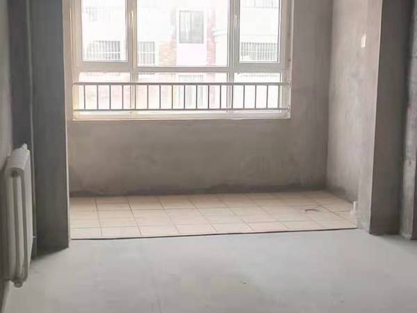 出售盛世御景5室2厅2卫178平米115万住宅
