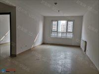 新隆 中央城电梯11楼2室2厅1卫简装带车储92平米75万
