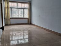 西关张吉村罗屋带院4室2厅中装证上153平米38万