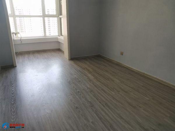 出售电影大厦2室2厅1卫101平米52万住宅