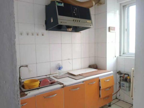 出租向阳中学学区房超越家园2室900元/月住宅