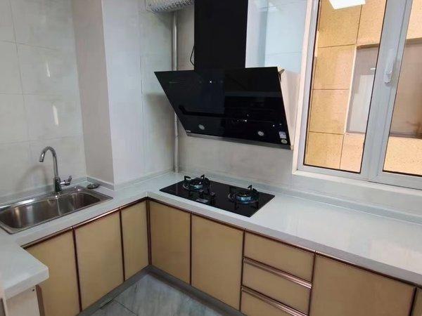 御林华府 电梯两室 精装 送家具 送热水器 拎包入住!送储!可贷!
