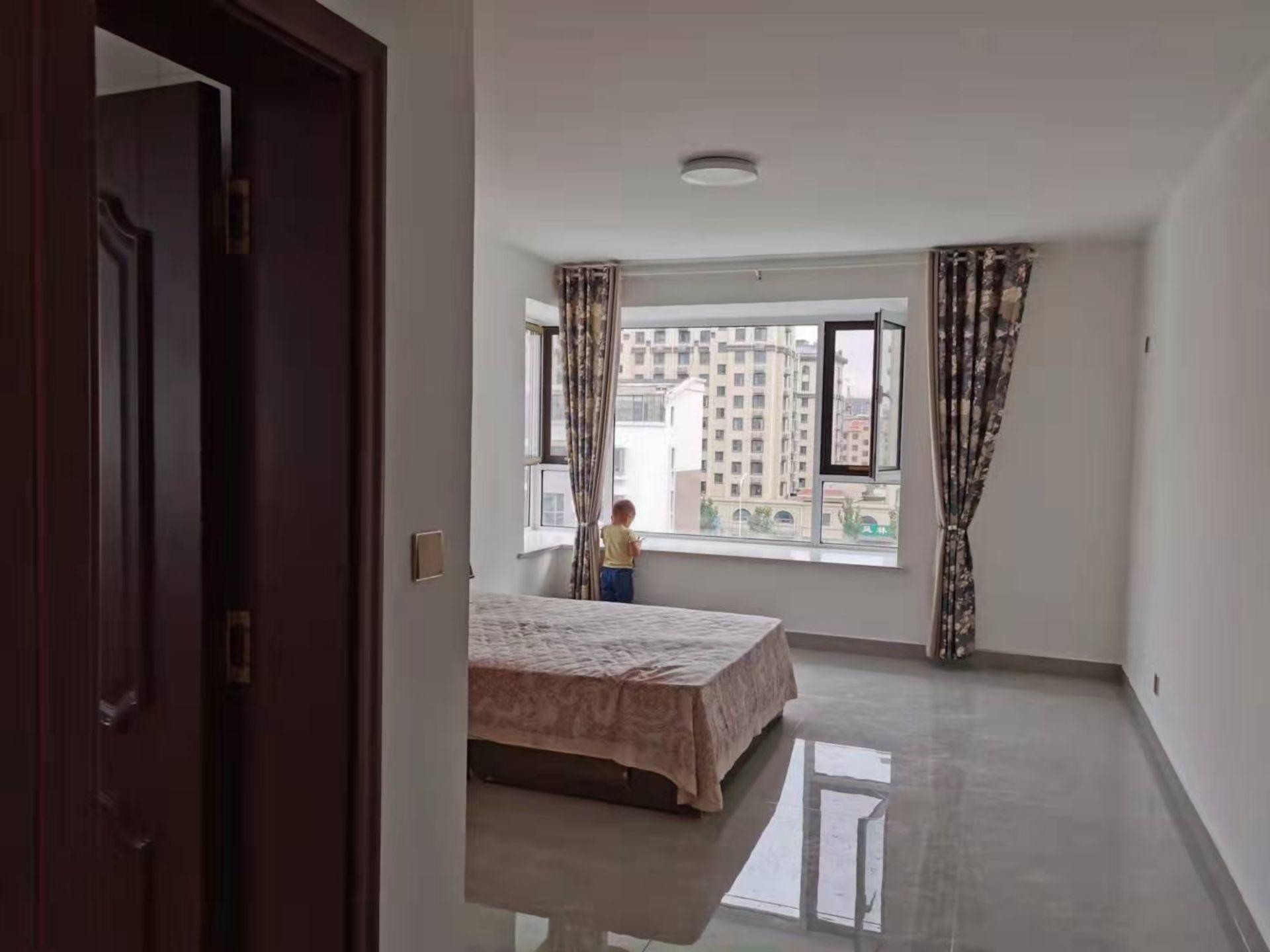 出租天和国际,电梯精装3室双卫,家具家电齐全,1650元/月住宅