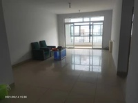 王家响疃小区,位于市民之家附近,两室简装,供暖设备齐全