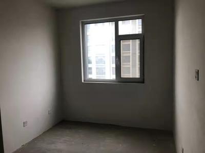 金水岸黄金楼层136.29平三室两厅两卫带储89万